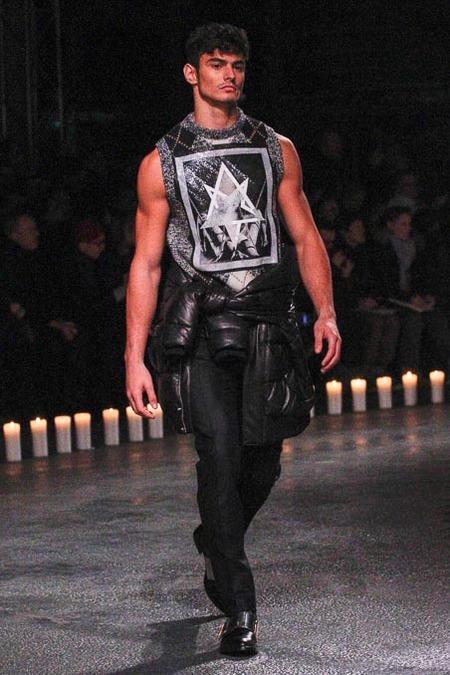 givenchy-paris-fashion-week-fall-2013-04