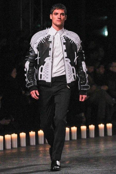 givenchy-paris-fashion-week-fall-2013-34